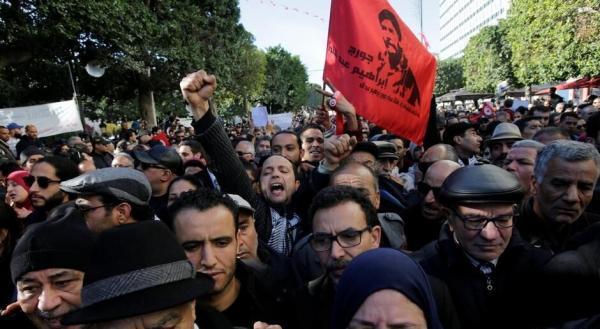 خبرنگاران هزاران تونسی به شرایط سیاسی و اقتصادی کشور اعتراض کردند